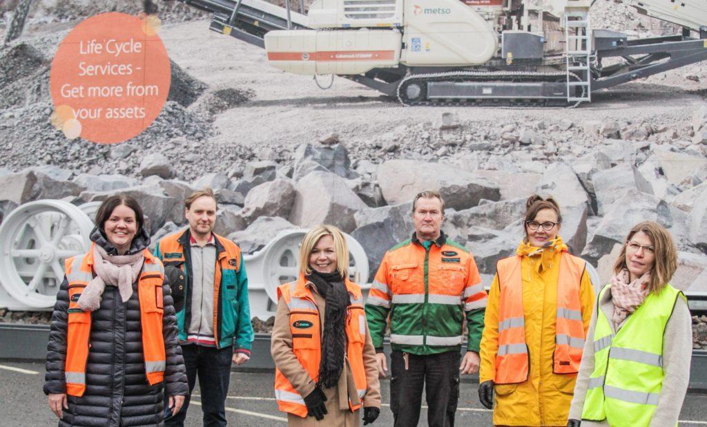 Kuvassa Riina Ainasvuori, Tuukka Hakala, Heidi Lehtonen, Aki Järvinen, Helena Nieminen ja Minna Arvaja